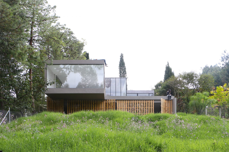 Gravitational Indifference by Ruptura Morlaca Arquitectura