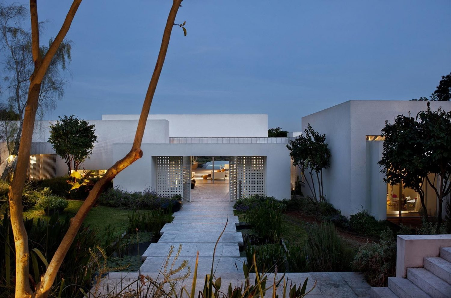 LA House by Eran Binderman and Rama Dotan