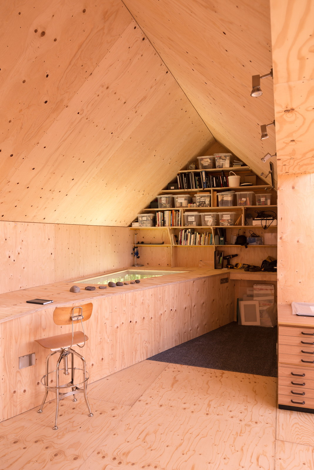 Midden Studio   Artist's Cabin by Studio Weave