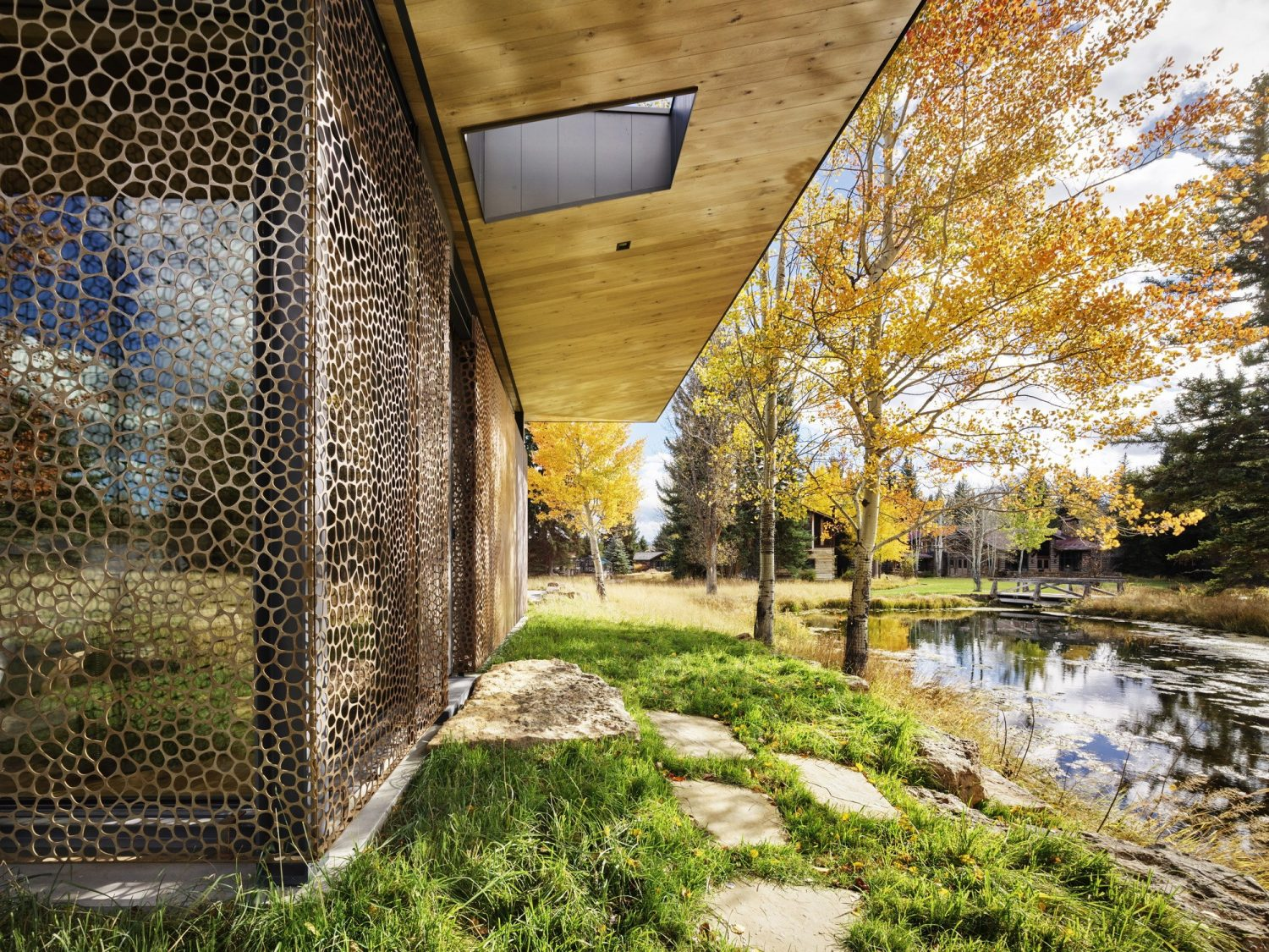 Queen's Lane Pavilion by CLB Architects