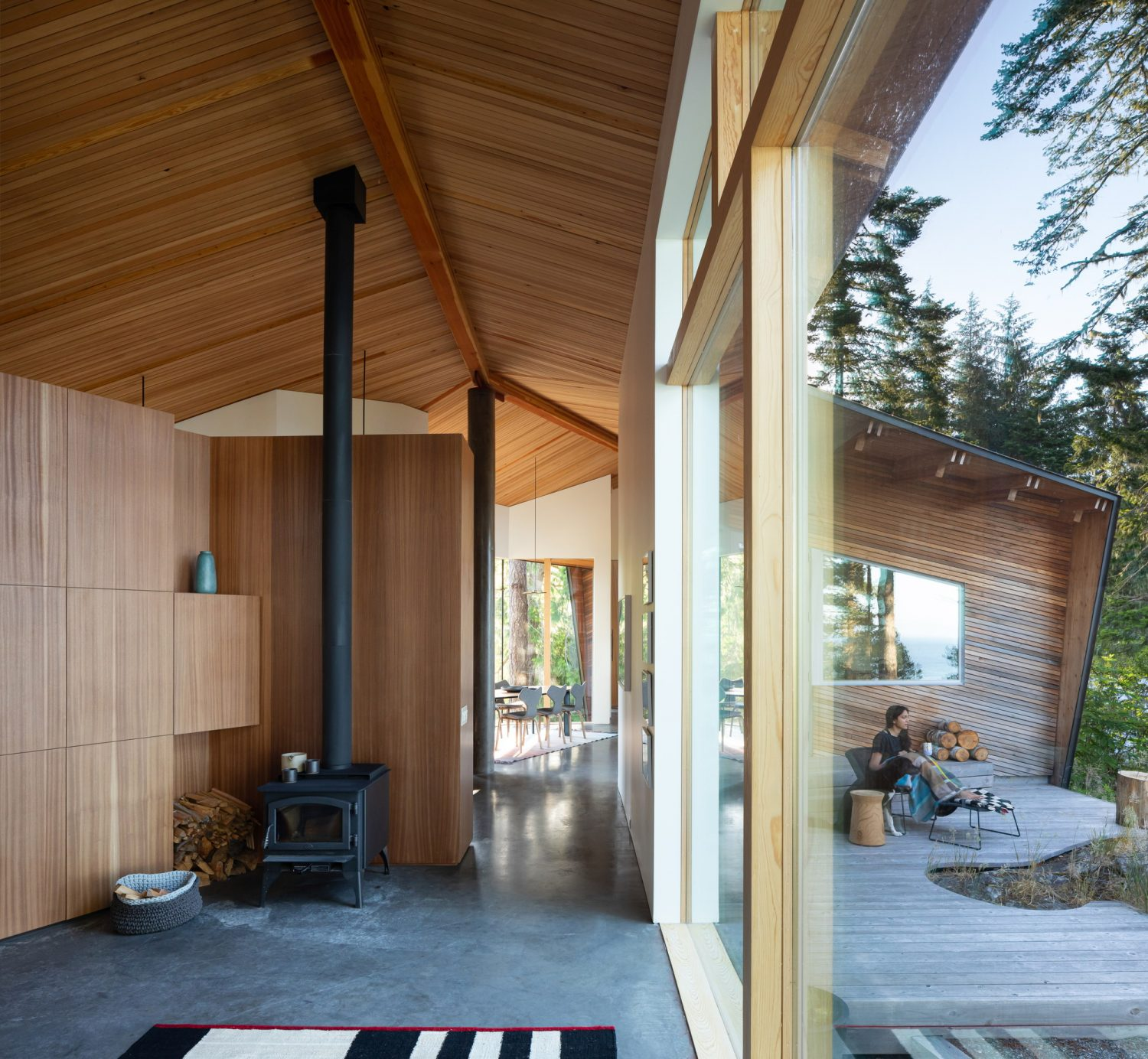Sooke 01 House by Campos Studio