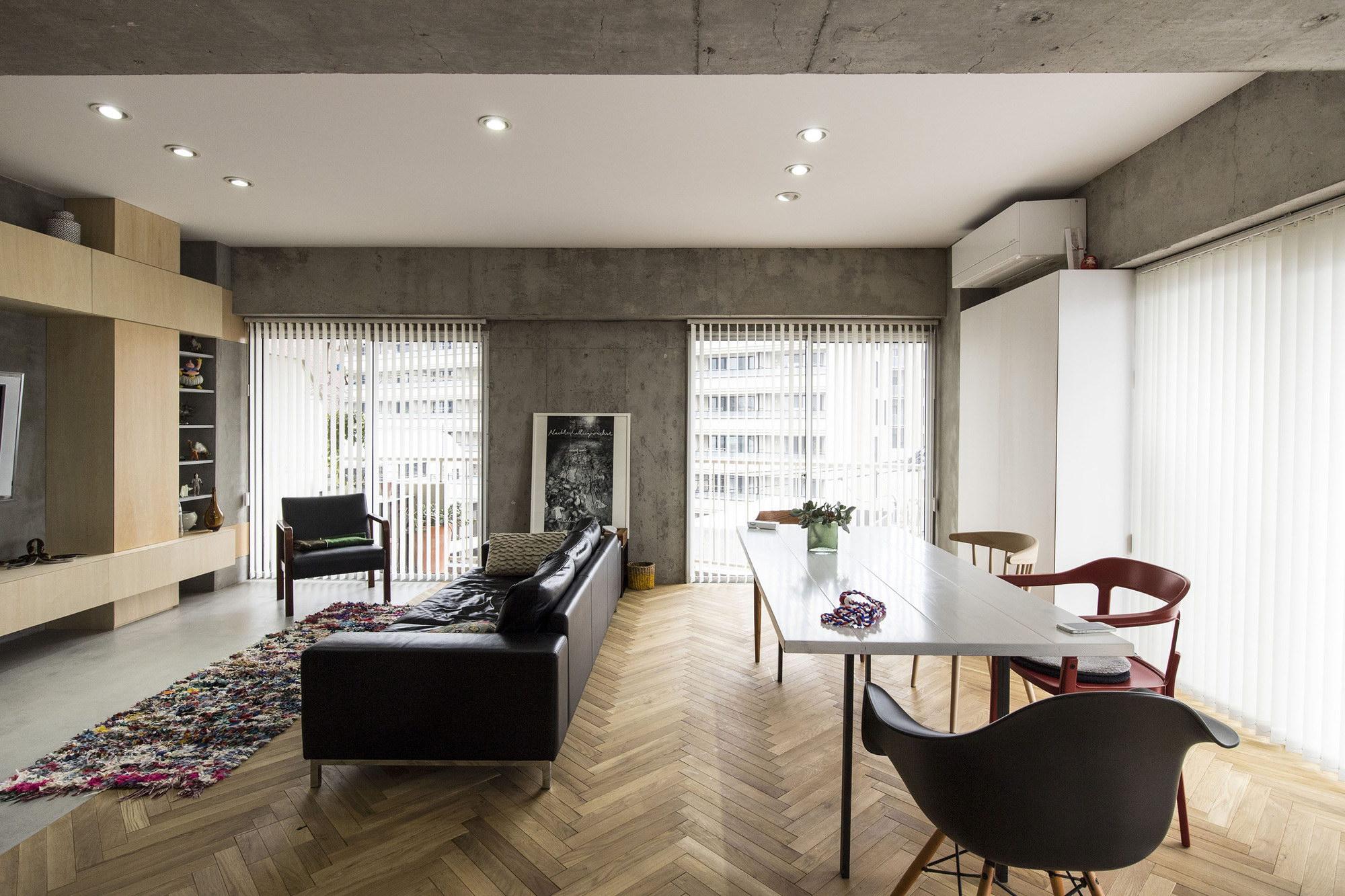 Syncopated, Revolving Door Condo by Tomokazu Hayakawa Architects