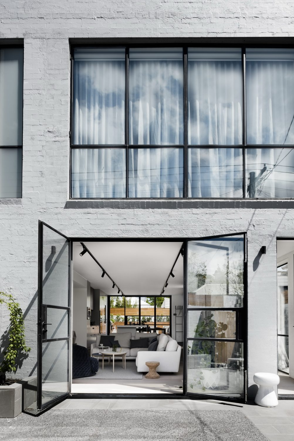 Bell Street House by Techne Architecture + Interior Design