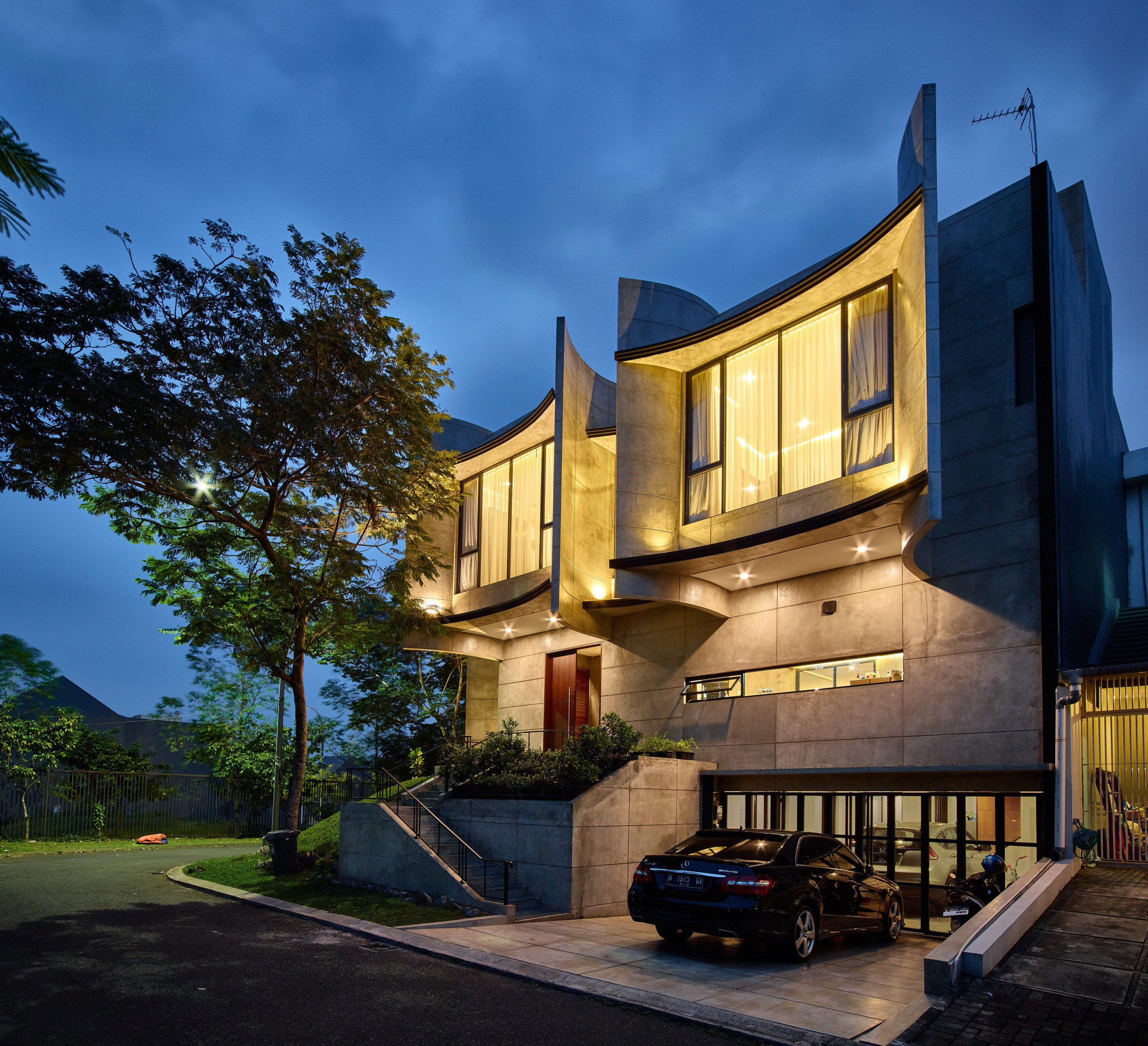 Dancer's House by RAW Architecture