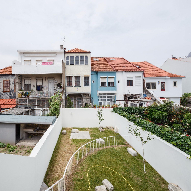House in Rua Faria Guimarães by Fala Atelier