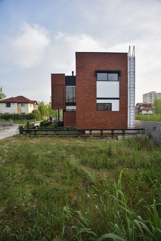 Maziar Brick House by Naghshe Khak Architectural Group