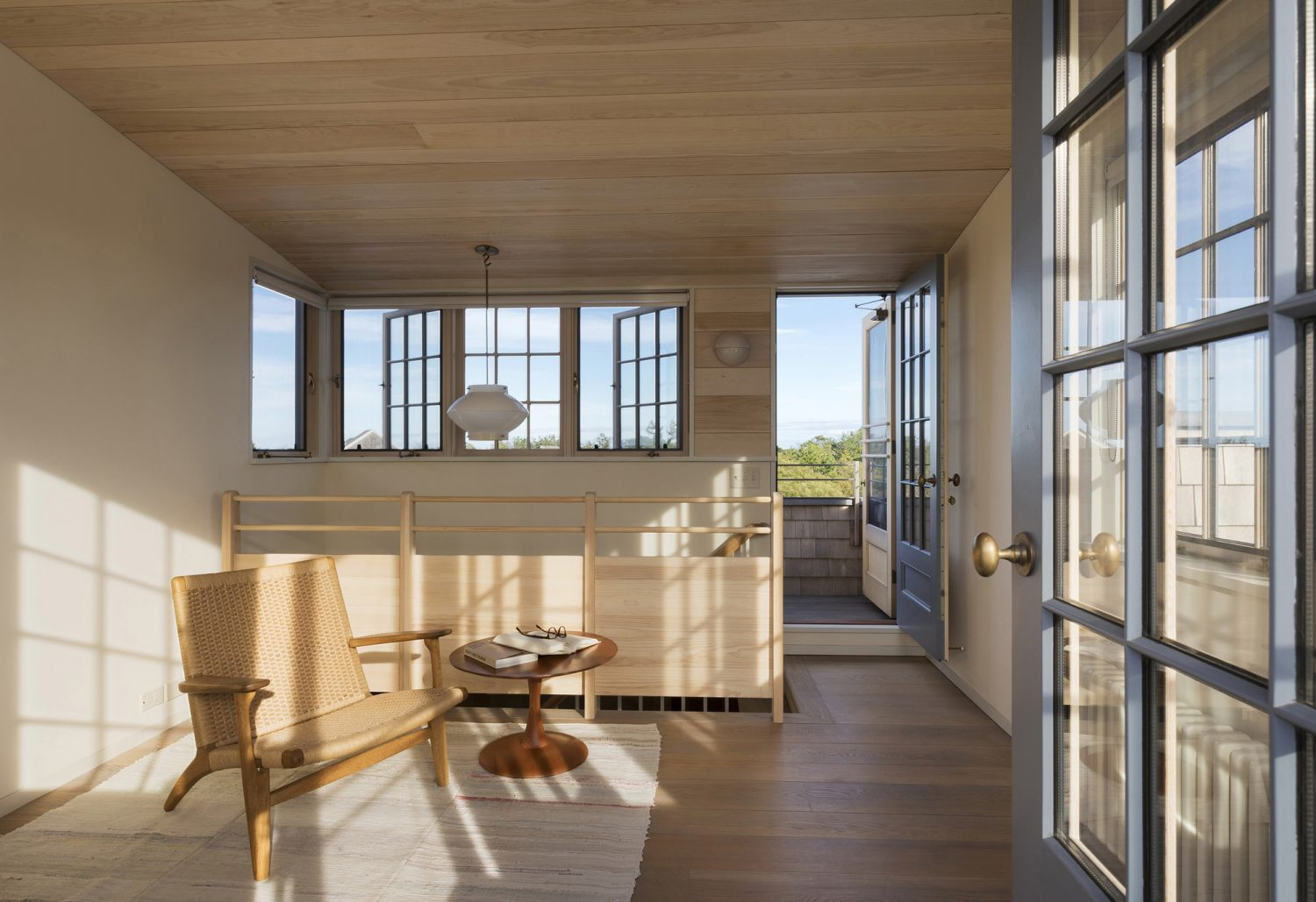 Meadow Beach House by Andrew Franz Architect