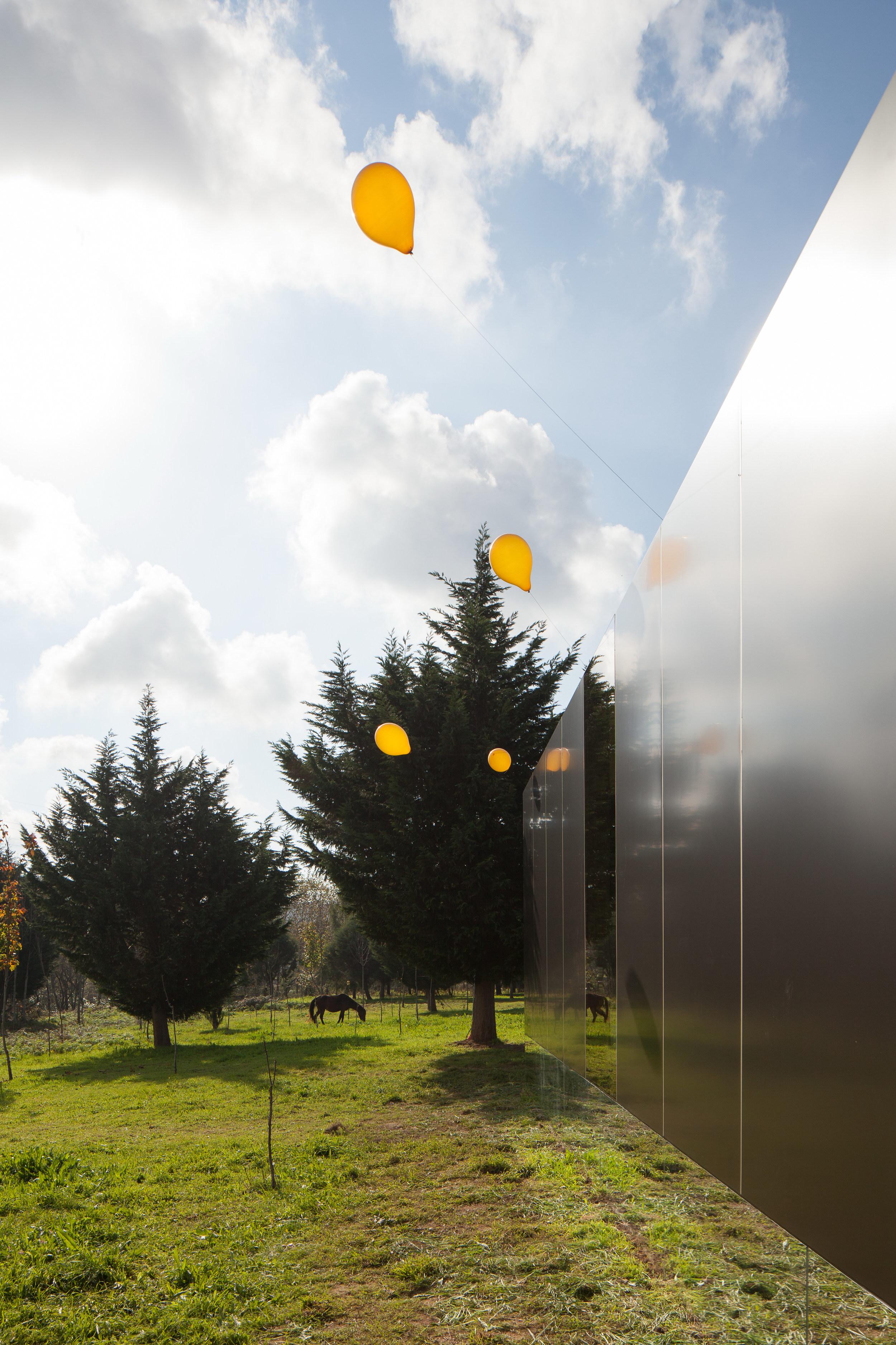 MIMA Light | Prefabricated Modular Home by MIMA Architects