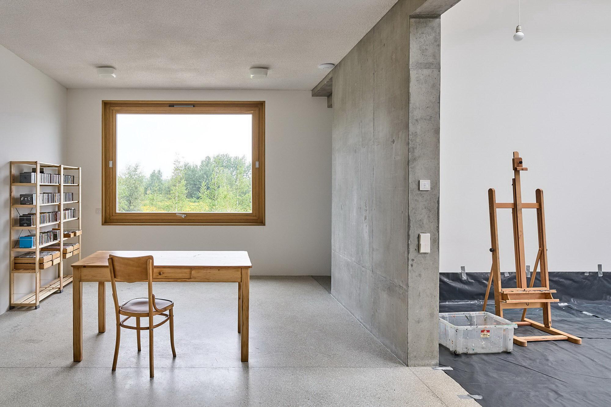 Artists' Home and Studio by Piotr Brzoza Architekten