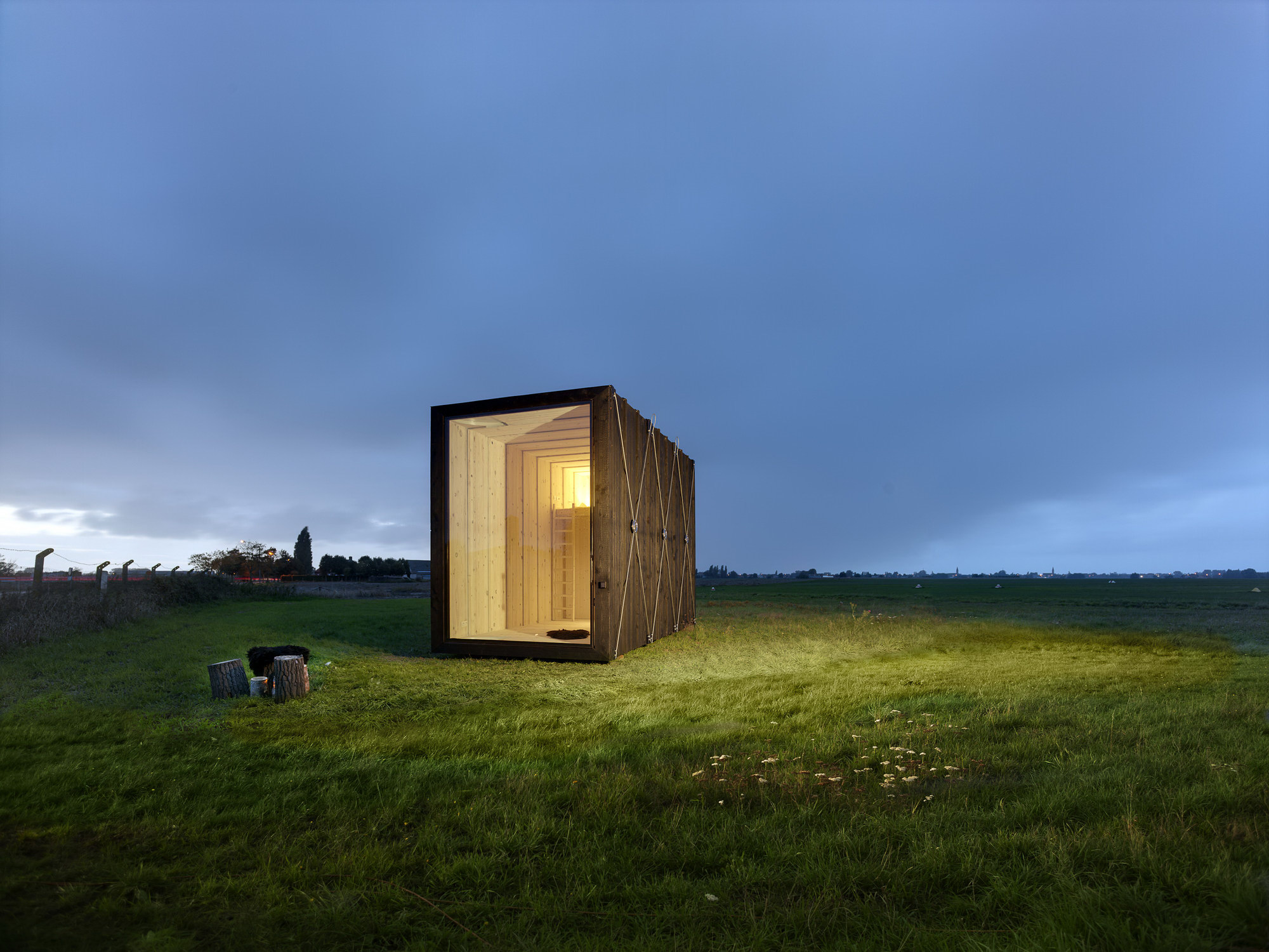 Cabin Y   Tiny Cabin by dmvA