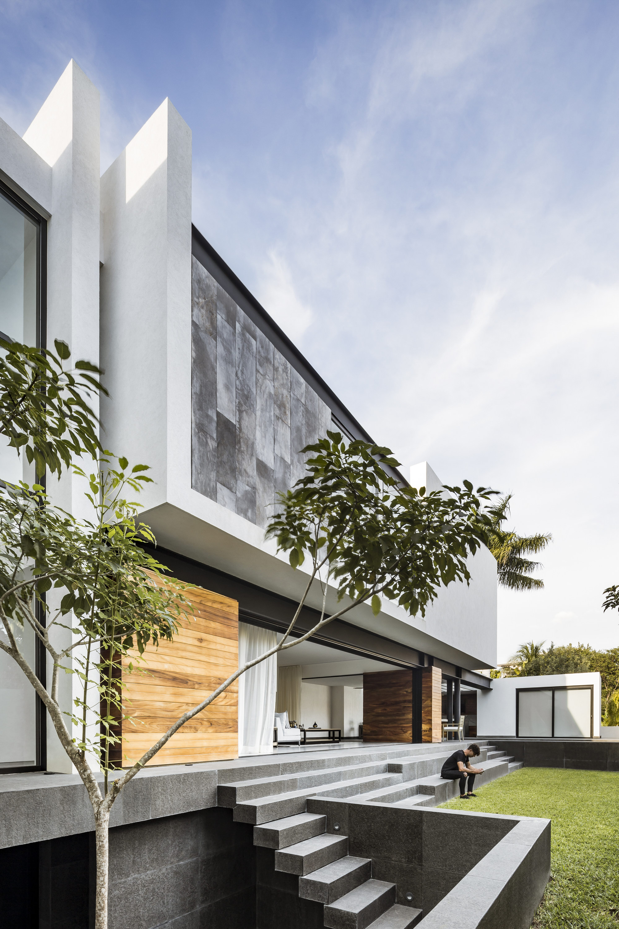 Cannes House by TAFF Arquitectos