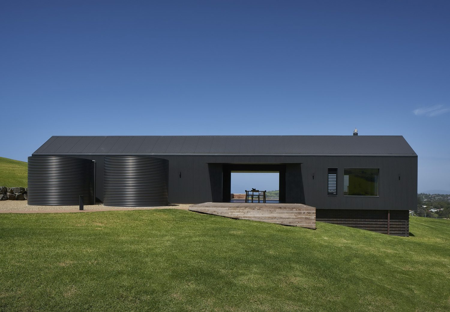 Escarpment House by Atelier Andy Carson