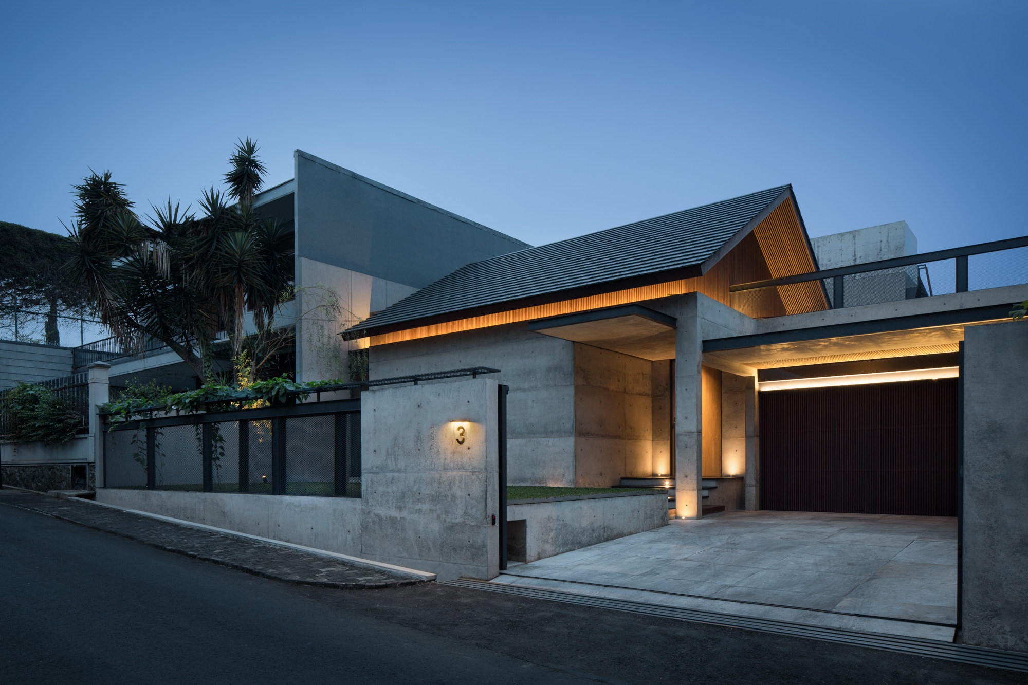 Hikari House by Pranala Associates