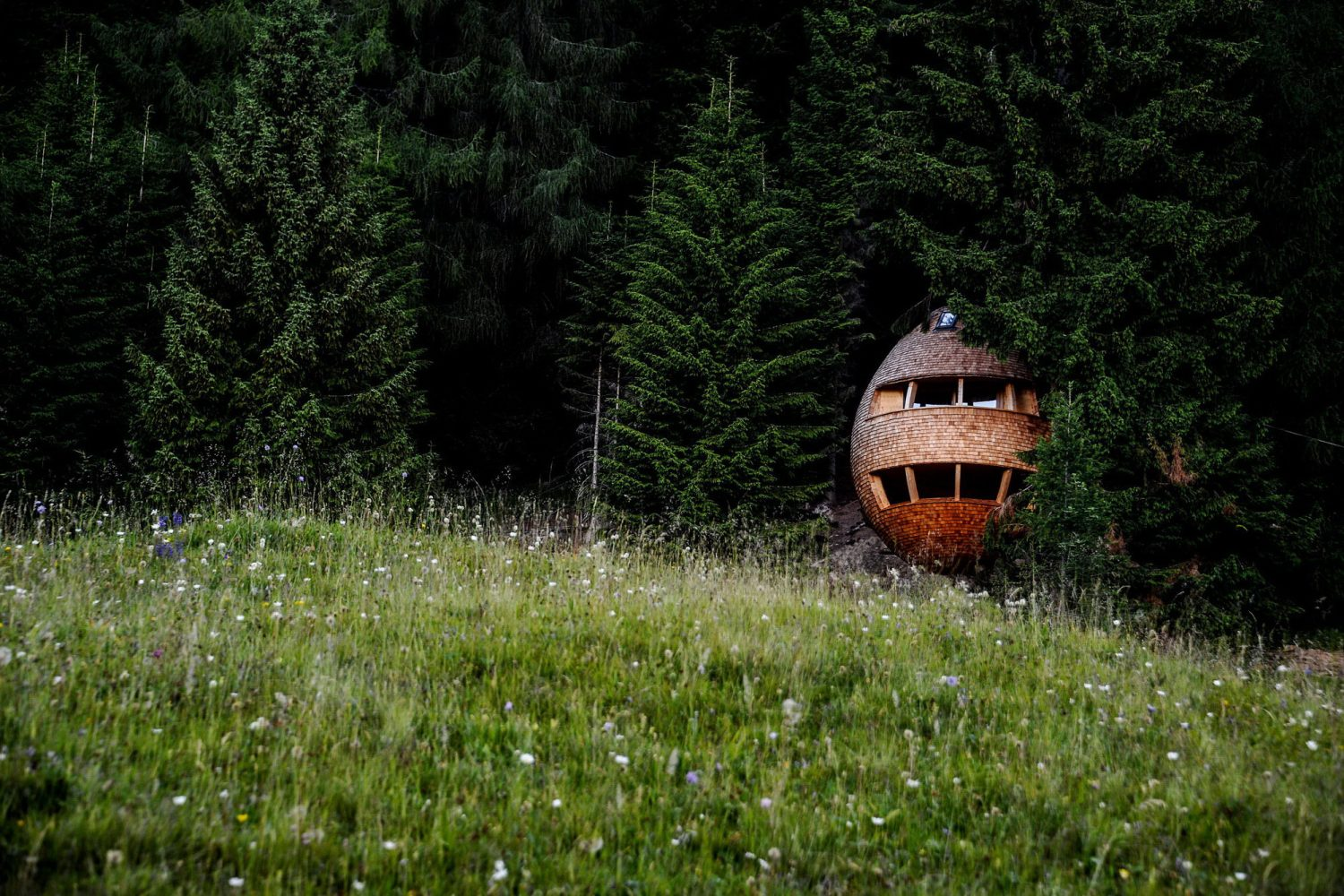 Pigna | Egg-Shaped Treehouses by Architetto Beltrame Claudio
