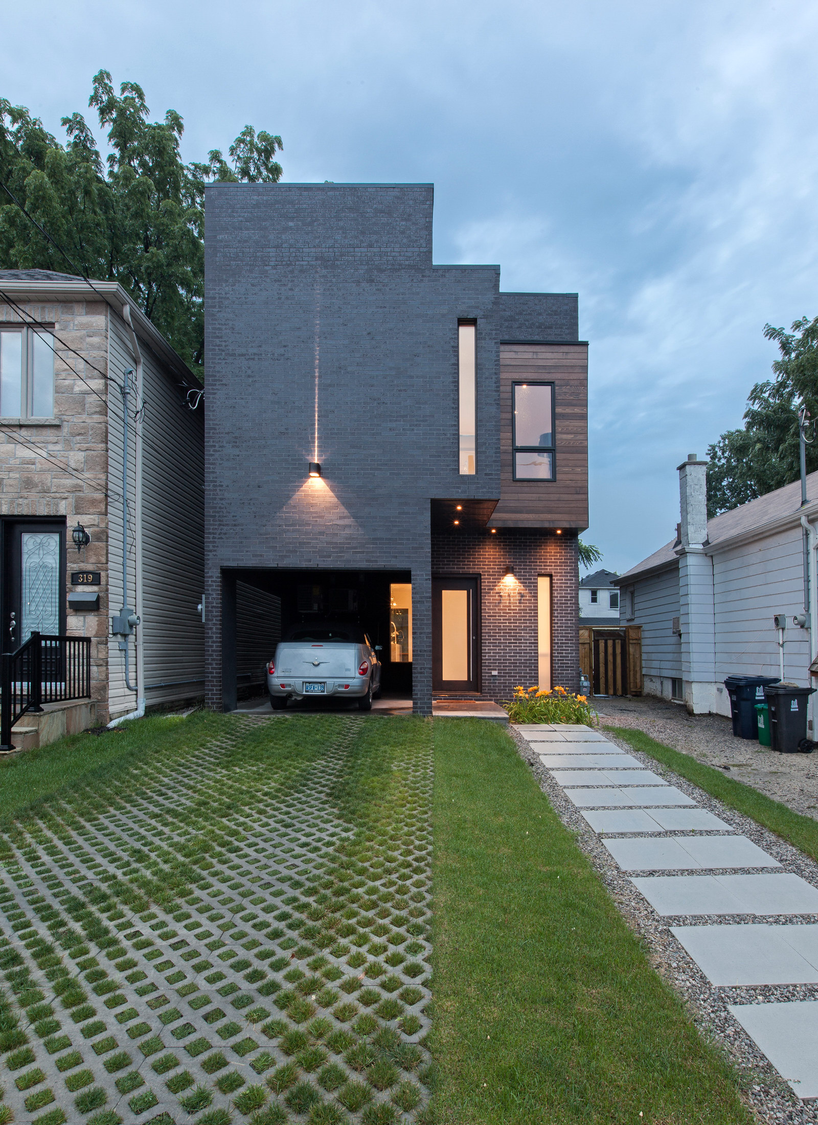 Totem House by Atelier RZLBD