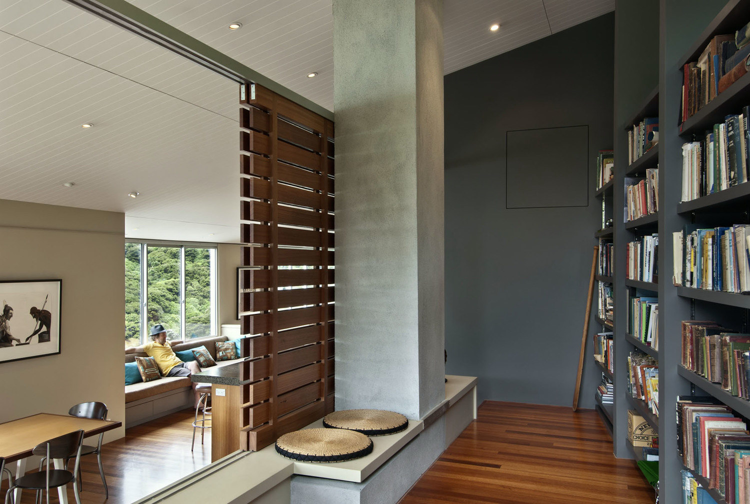 Apple Bay House by Parsonson Architects