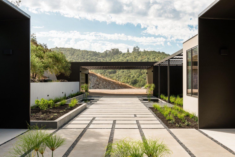 Silverado House by John Maniscalco Architecture