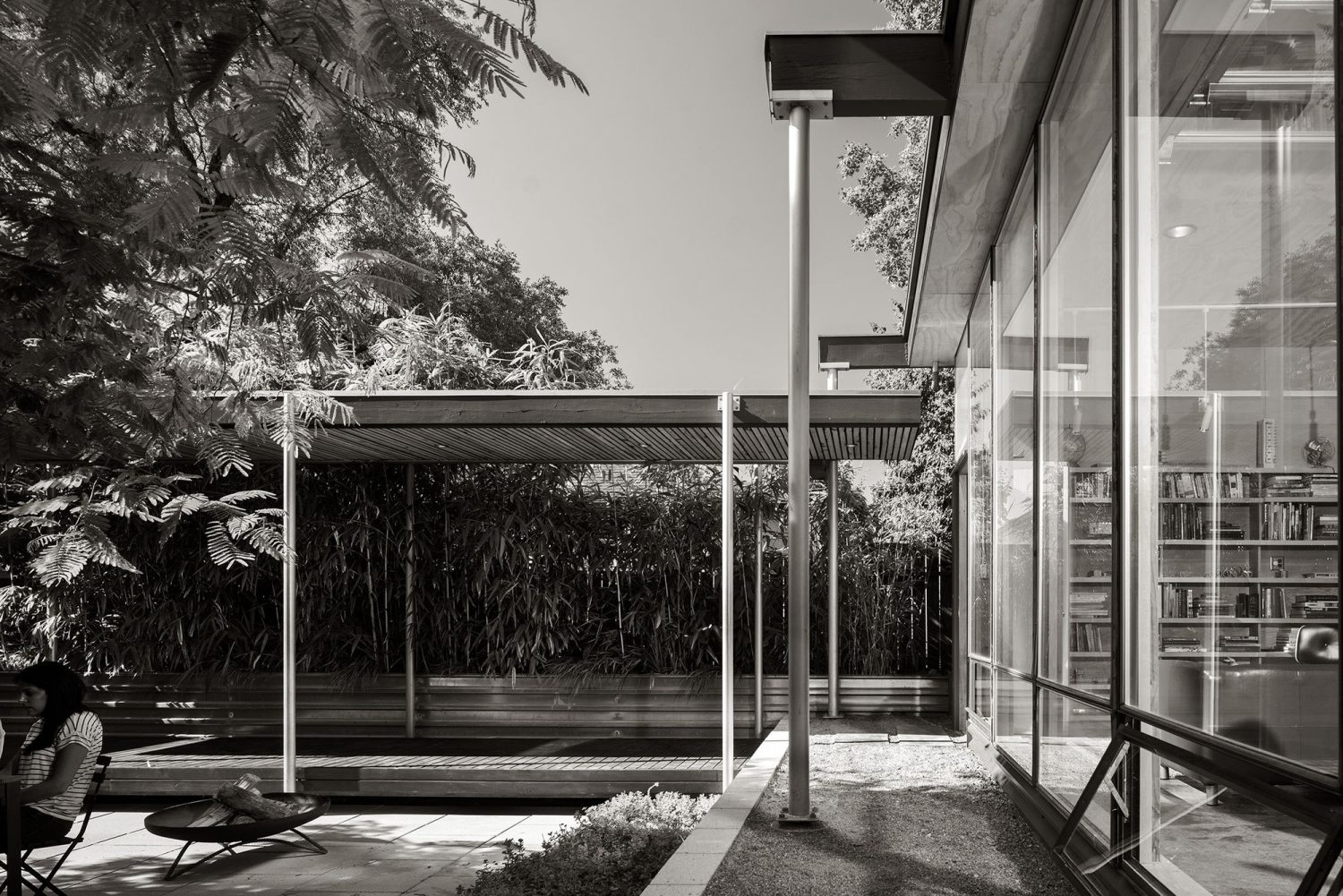 Grasshopper Studio and Courtyard by Wittman Estes