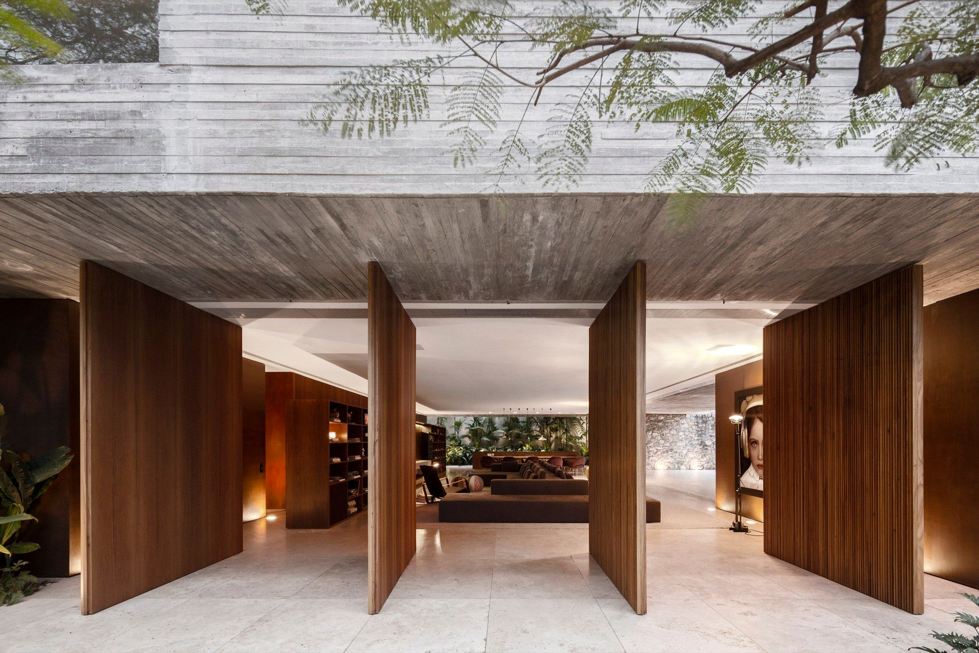 Ipes House by Studio MK27