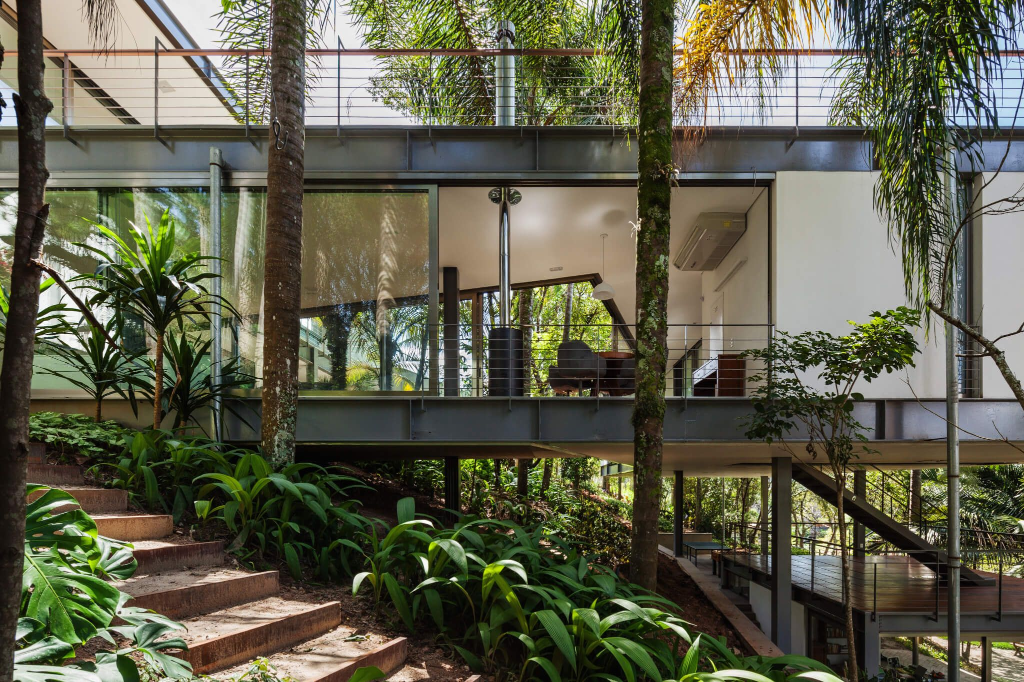 LLM House by Obra Arquitetos