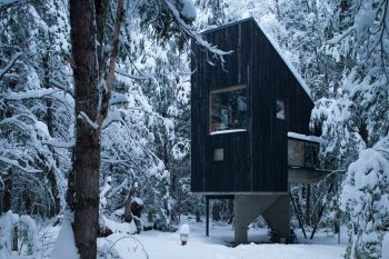 Shangri-la Cabin by DRAA and Magdalena Besomi