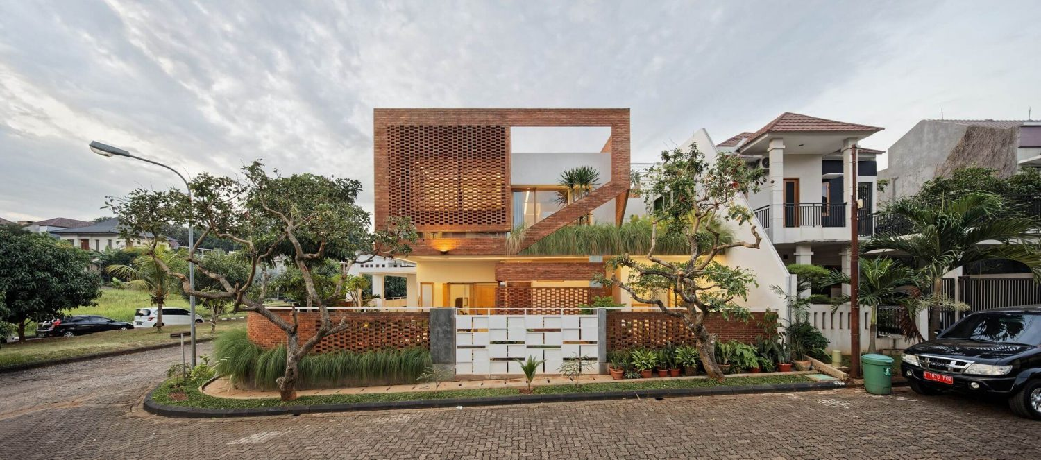 Flick House by DELUTION