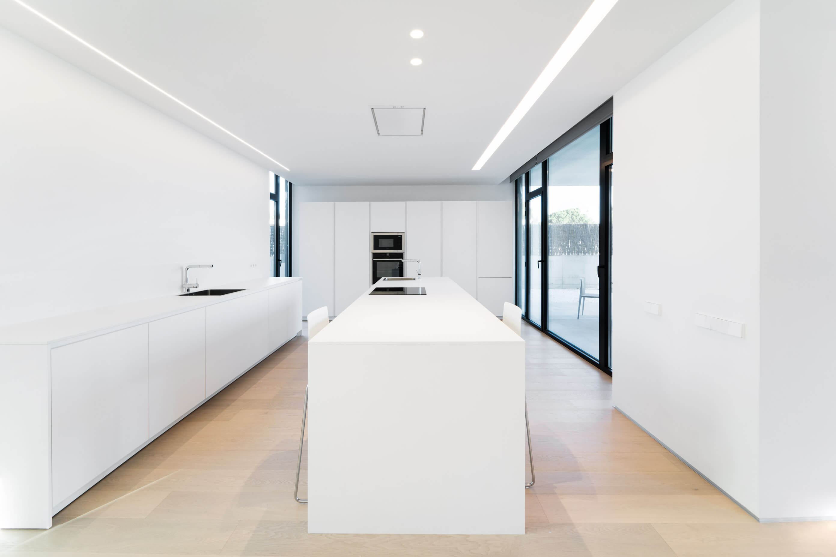 Tangent House by Ruben Muedra Estudio de Arquitectura