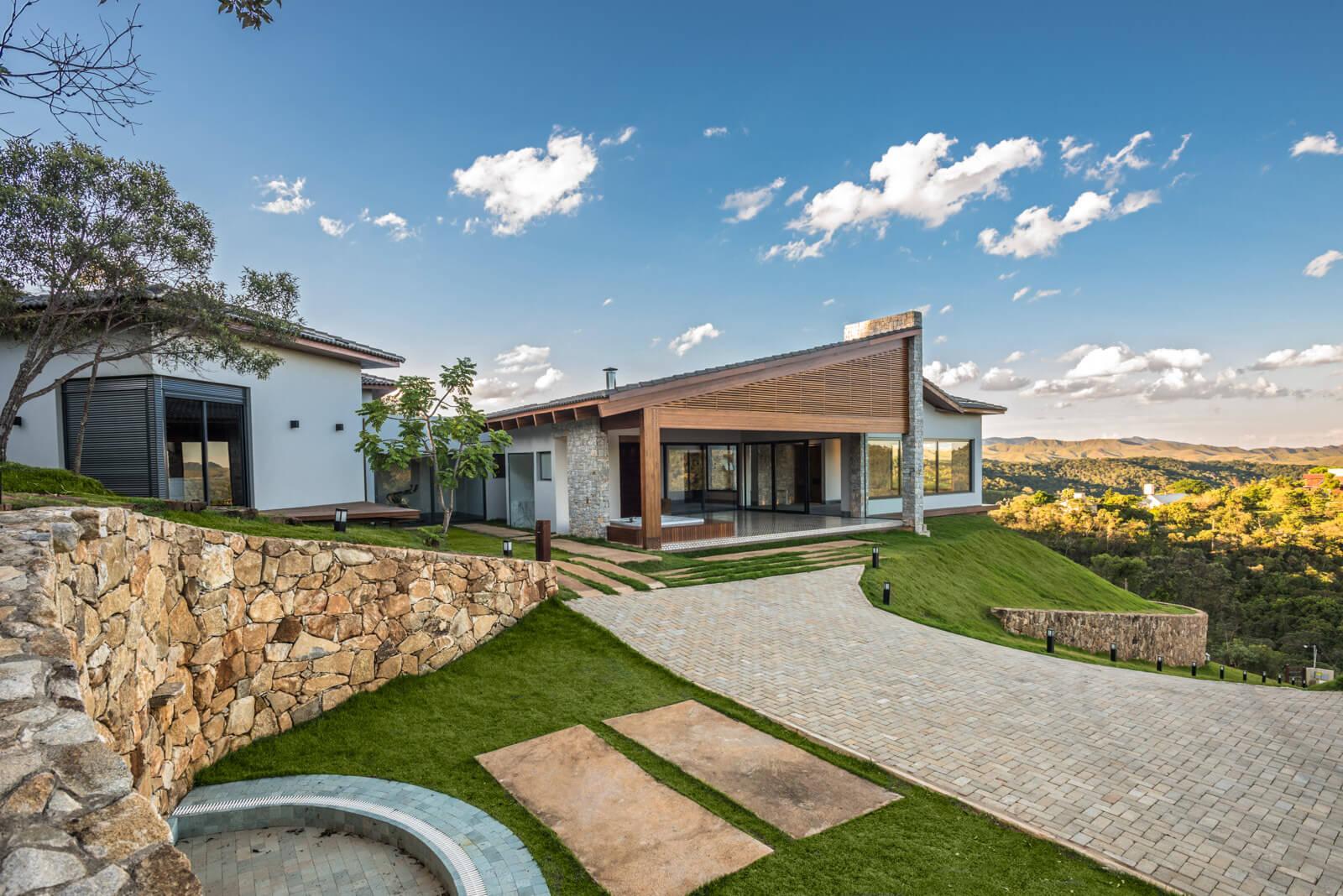 House in Pasárgada by MASV - Amália Vieira Arquitetura