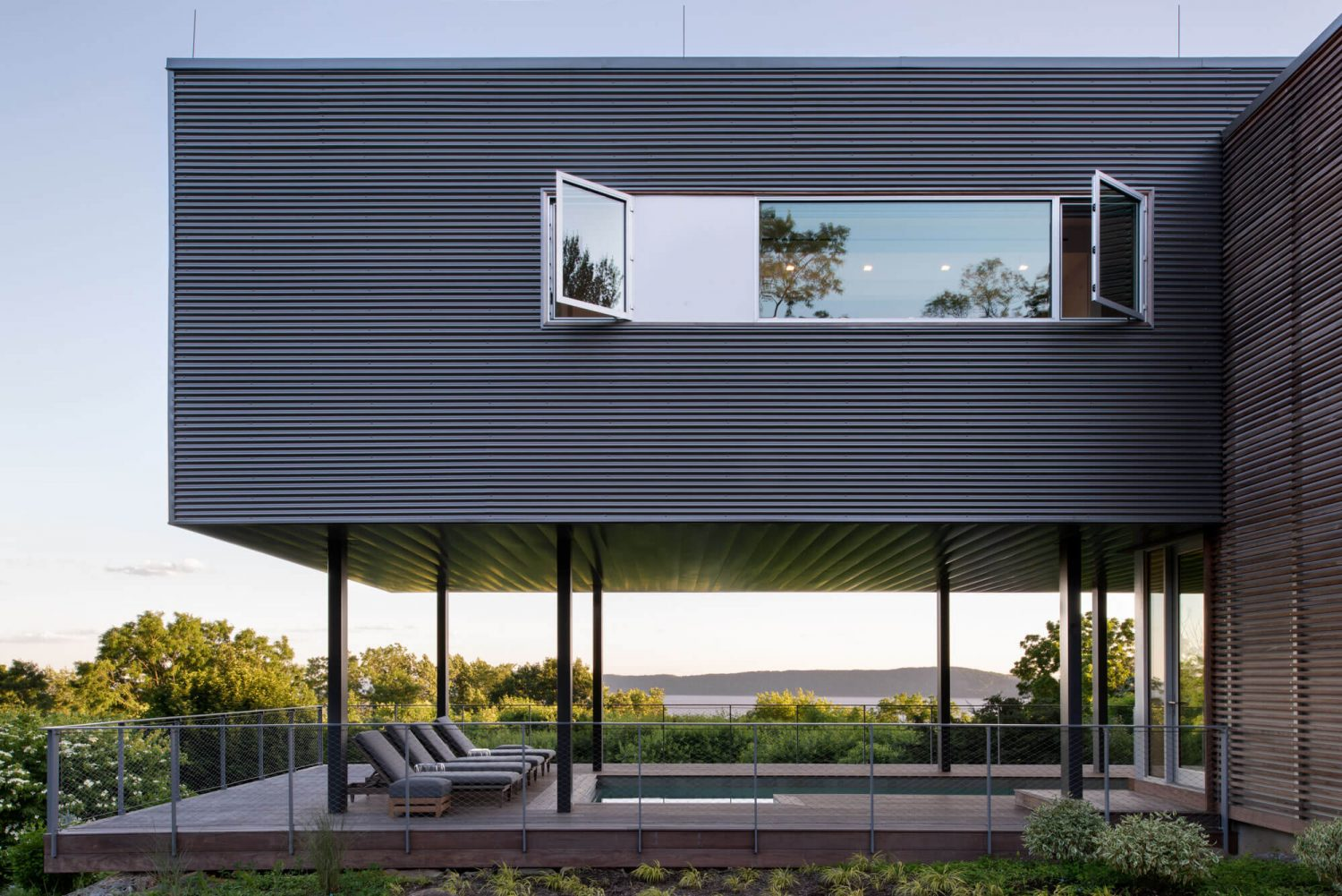 Hudson River House by Resolution: 4 Architecture