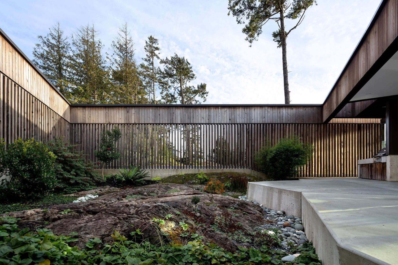 Okada Marshall House by D'arcy Jones Architecture