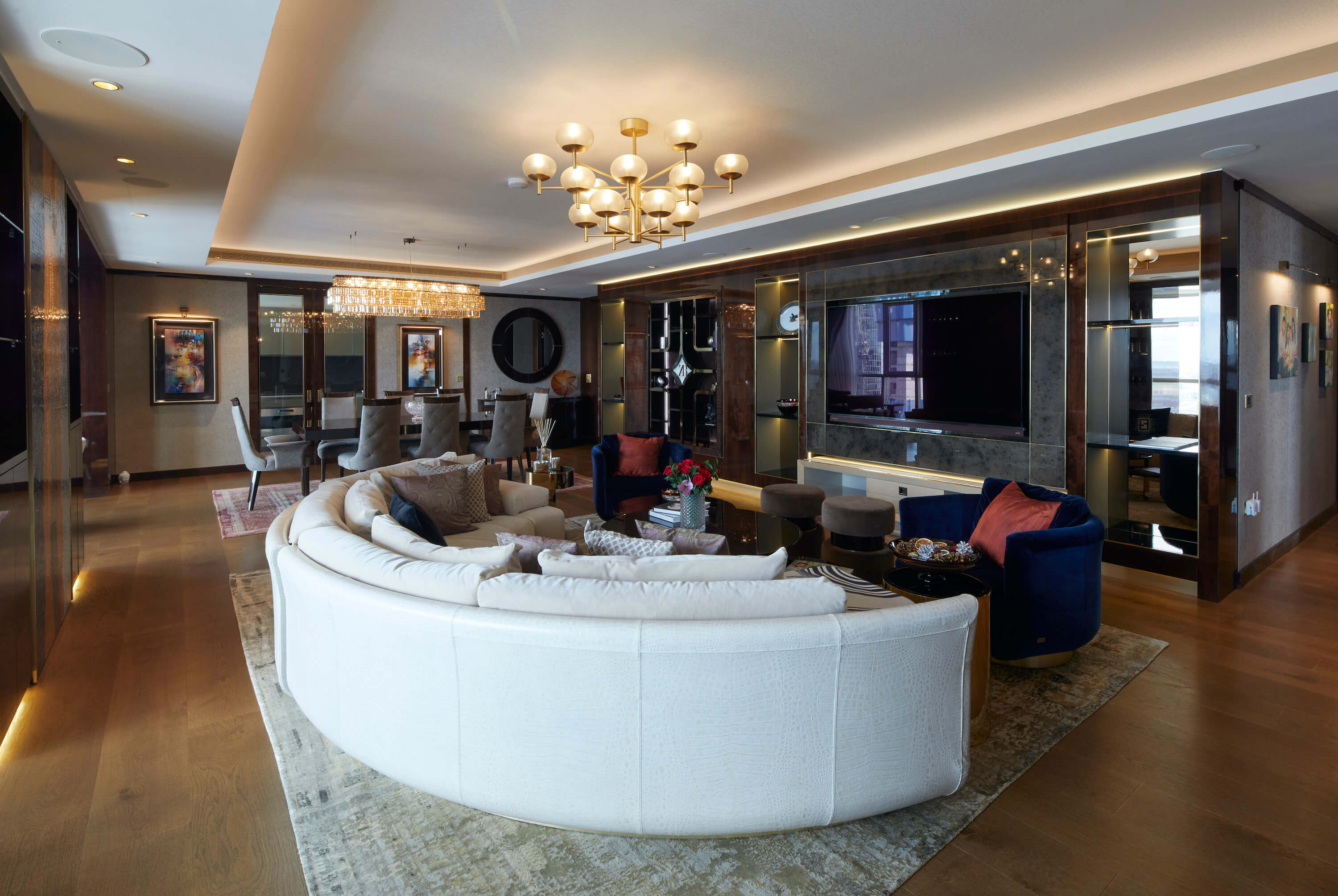 Private Penthouse in London by Shernavaz Bharucha