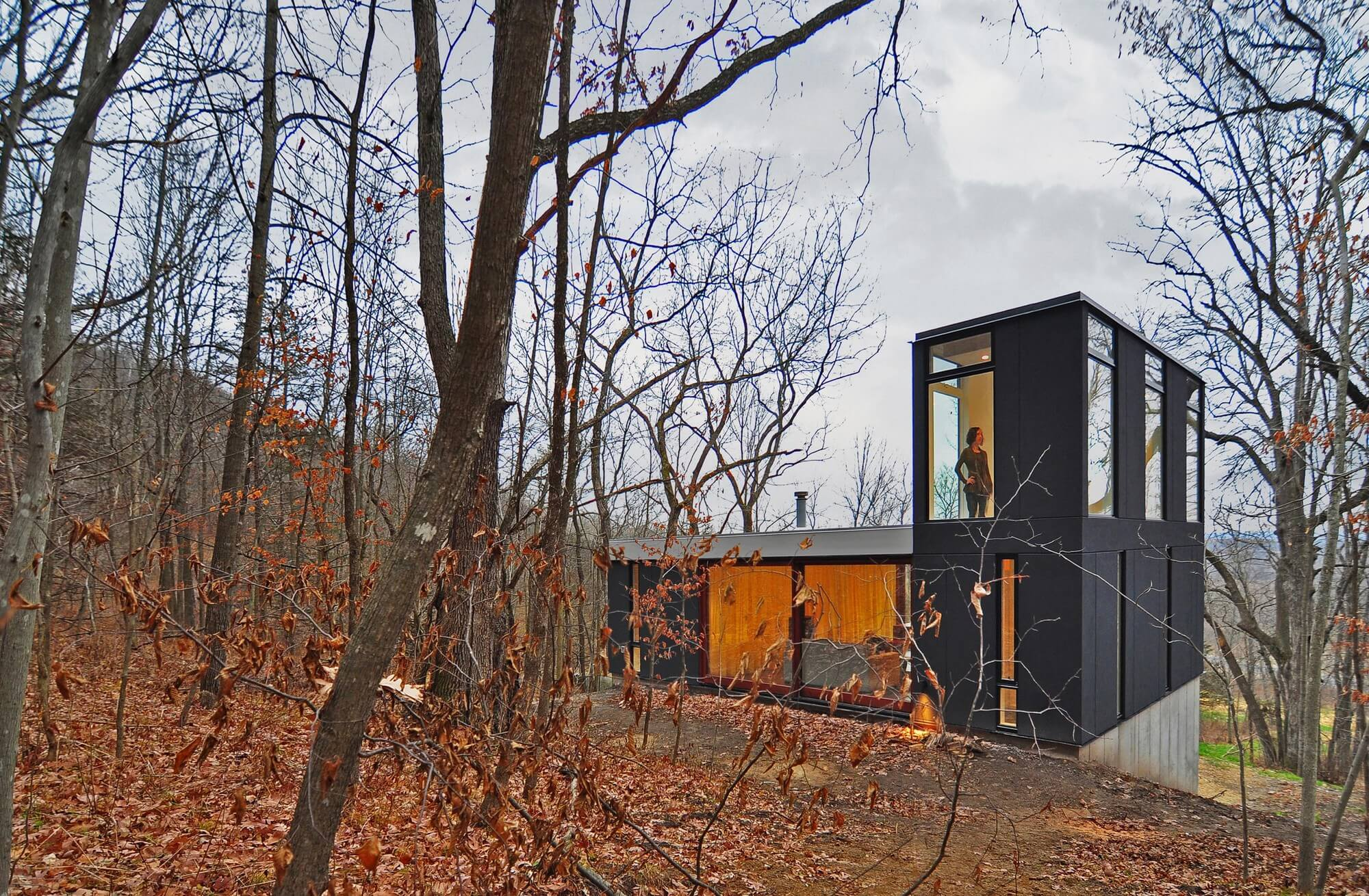 Stacked Cabin by Johnsen Schmaling Architects