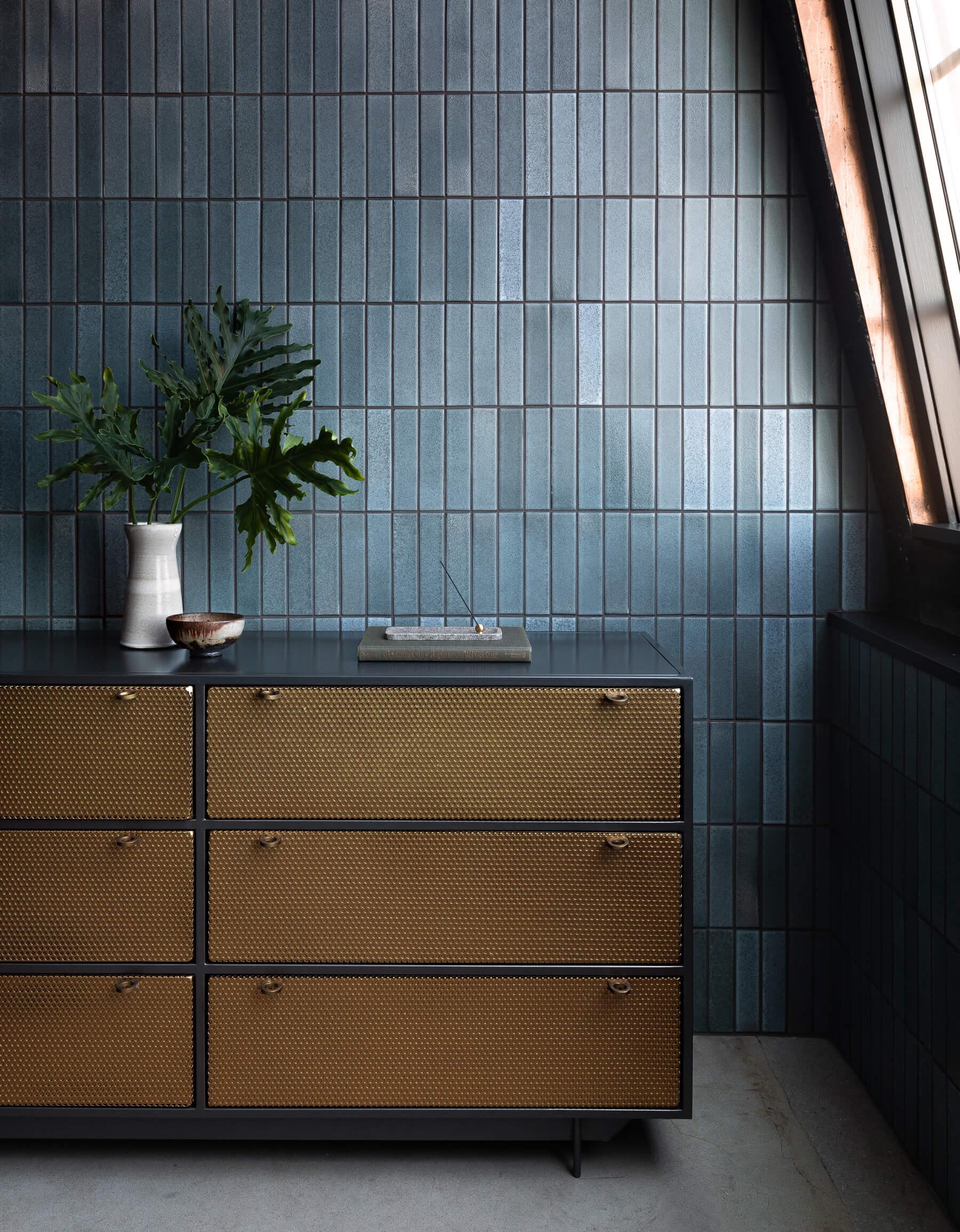 Studio Penthouse by JHL Design