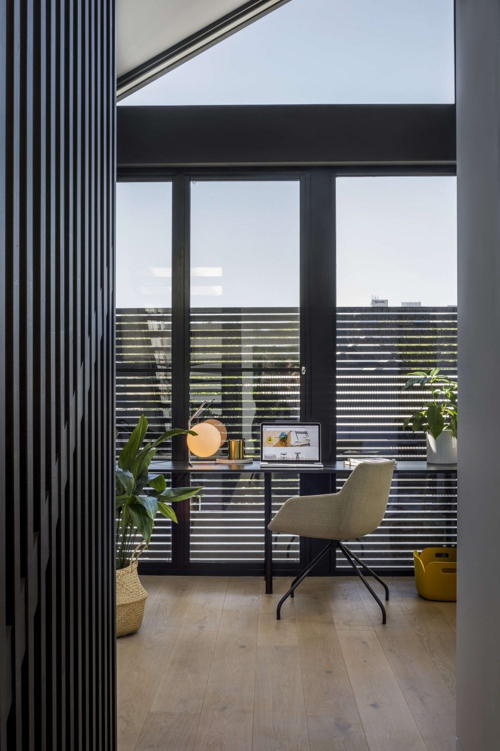 T2 Residence by fyc architects