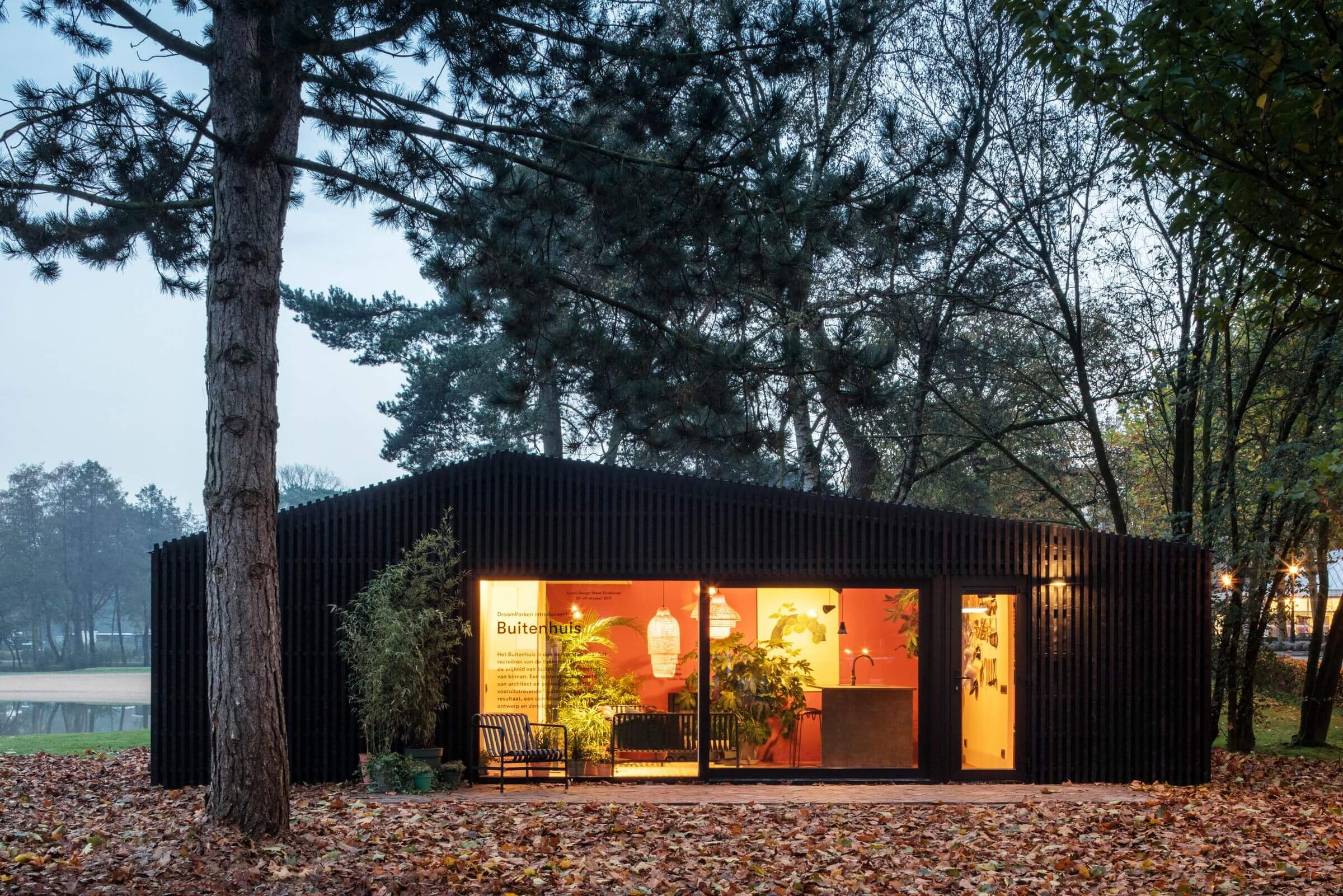 Buitenhuis by Chris Collaris Architects and Dutch Invertuals