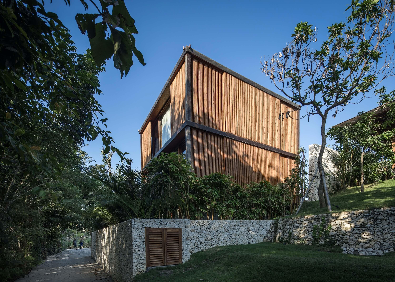House Aperture by Alexis Dornier
