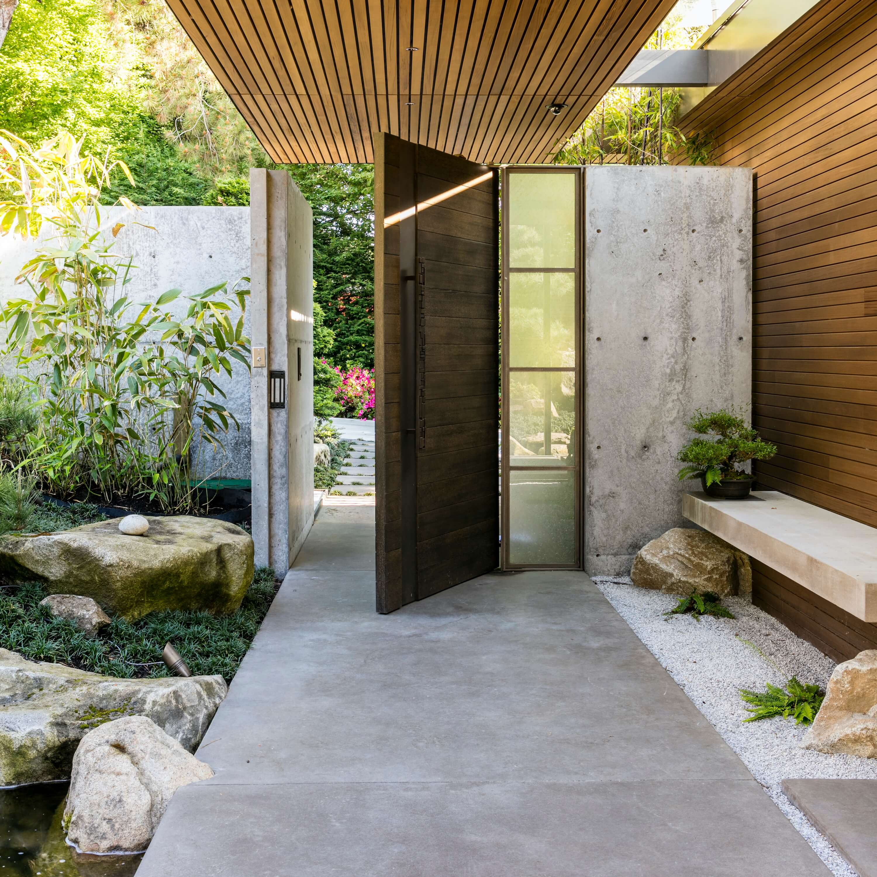 Hidden Cove Residence by Stuart Silk Architects and Land Morphology