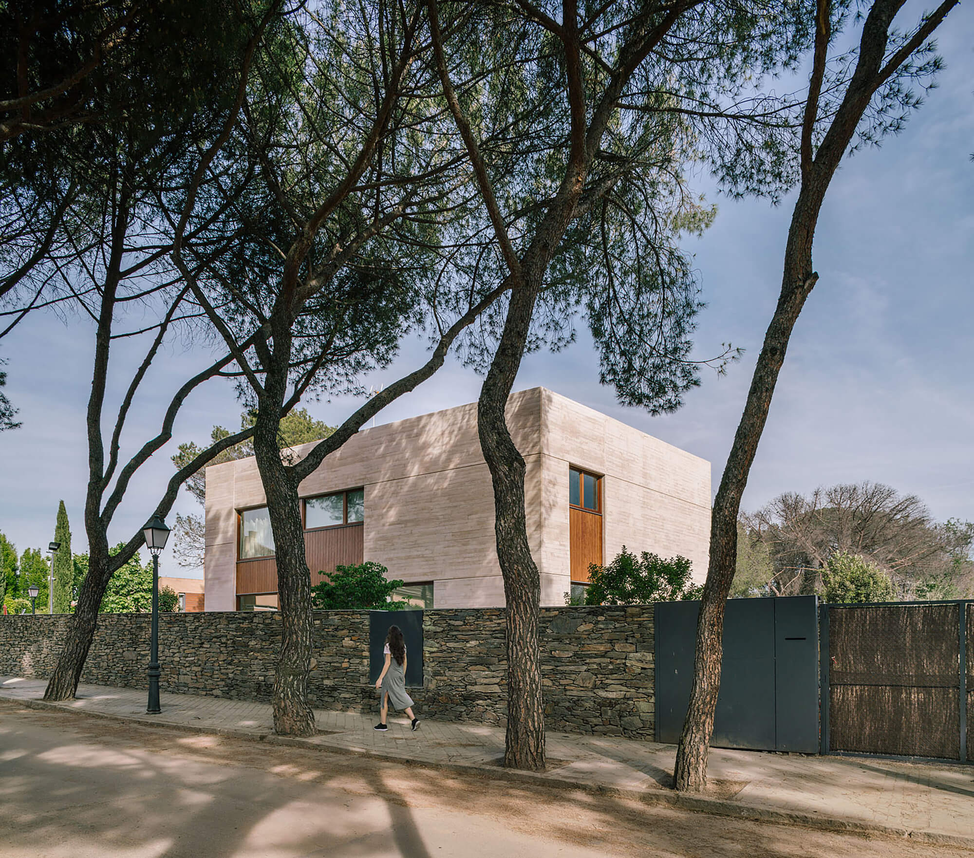 House in Madrid by De Lapuerta Campo arquitectos asociados