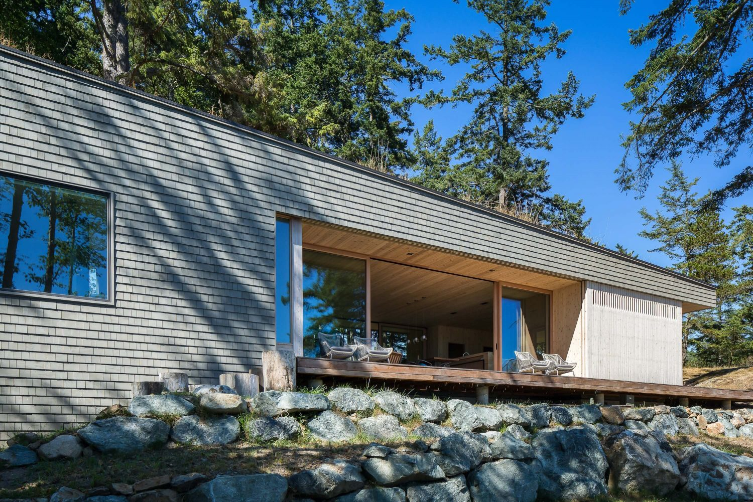 Lone Madrone by Heliotrope Architects