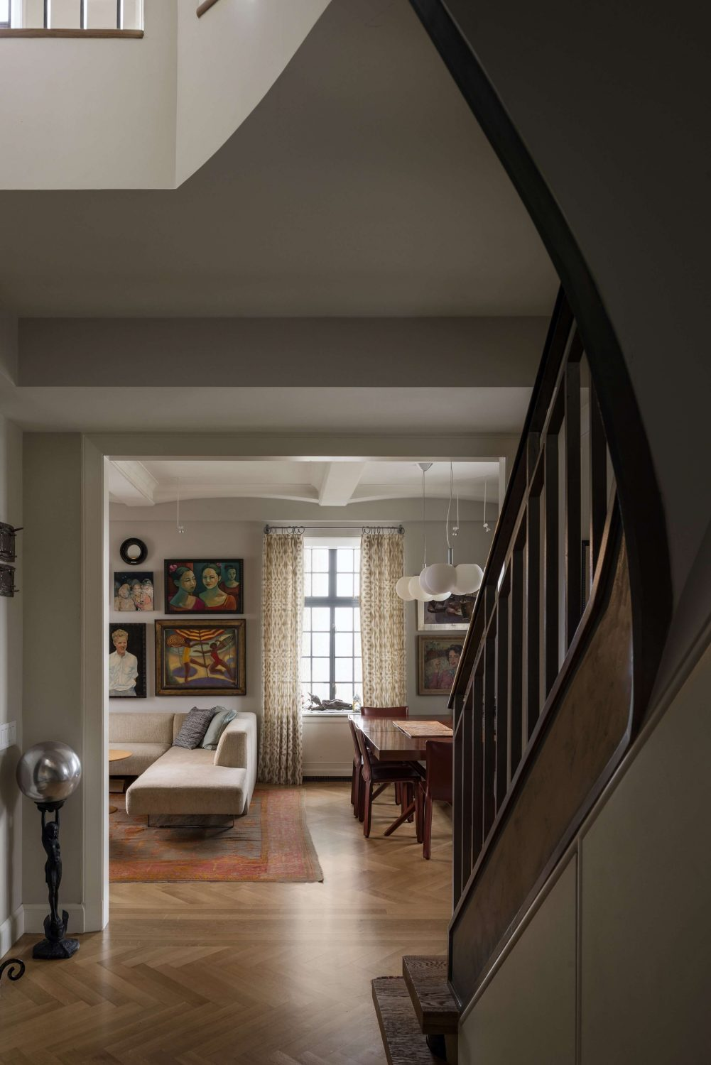W. 72nd Street Penthouse Apartment by Mutuus Studio