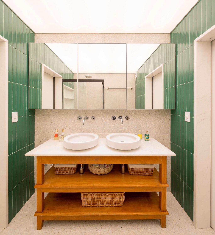 Apartment 3 Zero 8 by Debaixo do Bloco Arquitetura