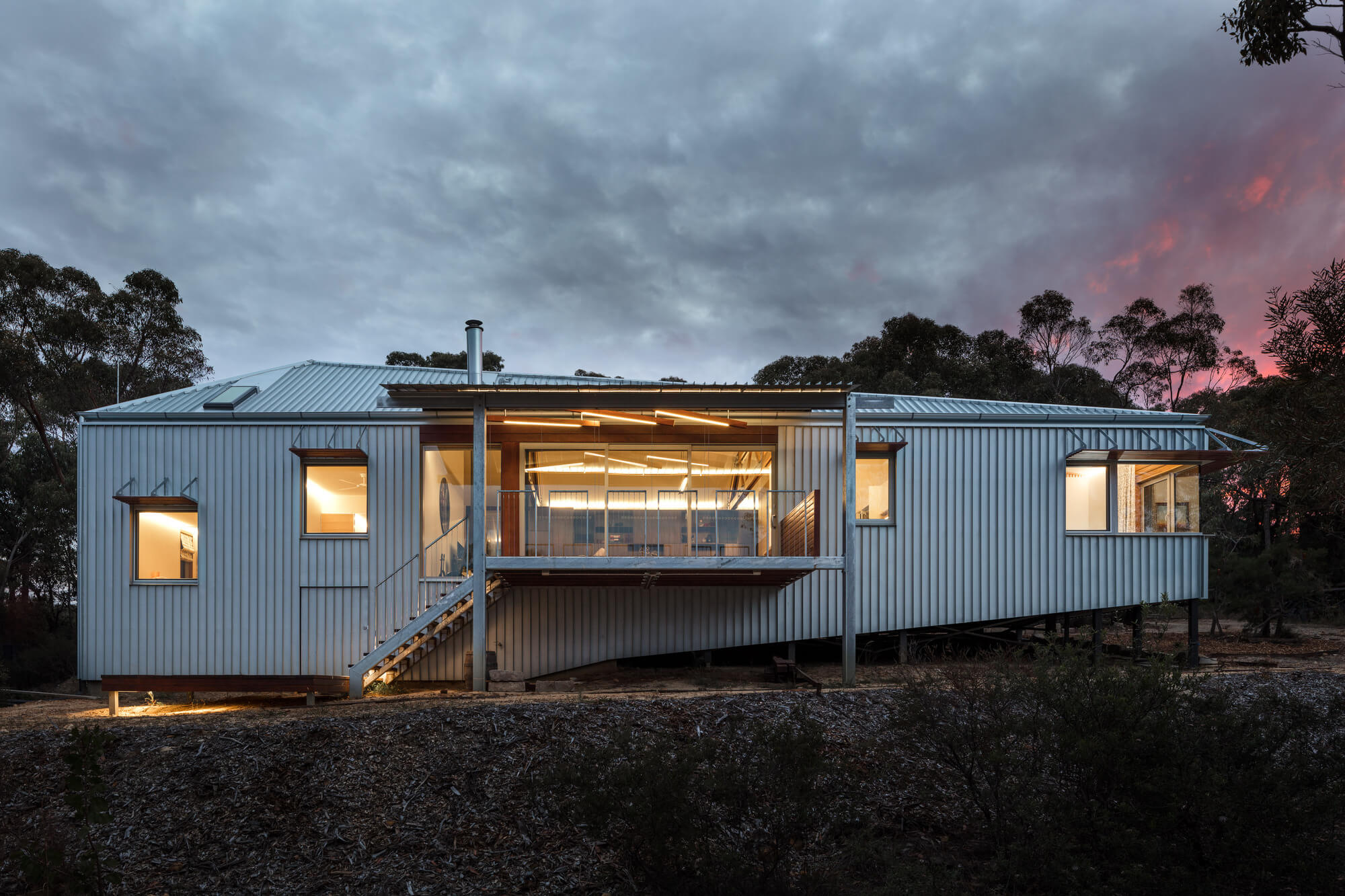 L-House by Alexander Symes Architect