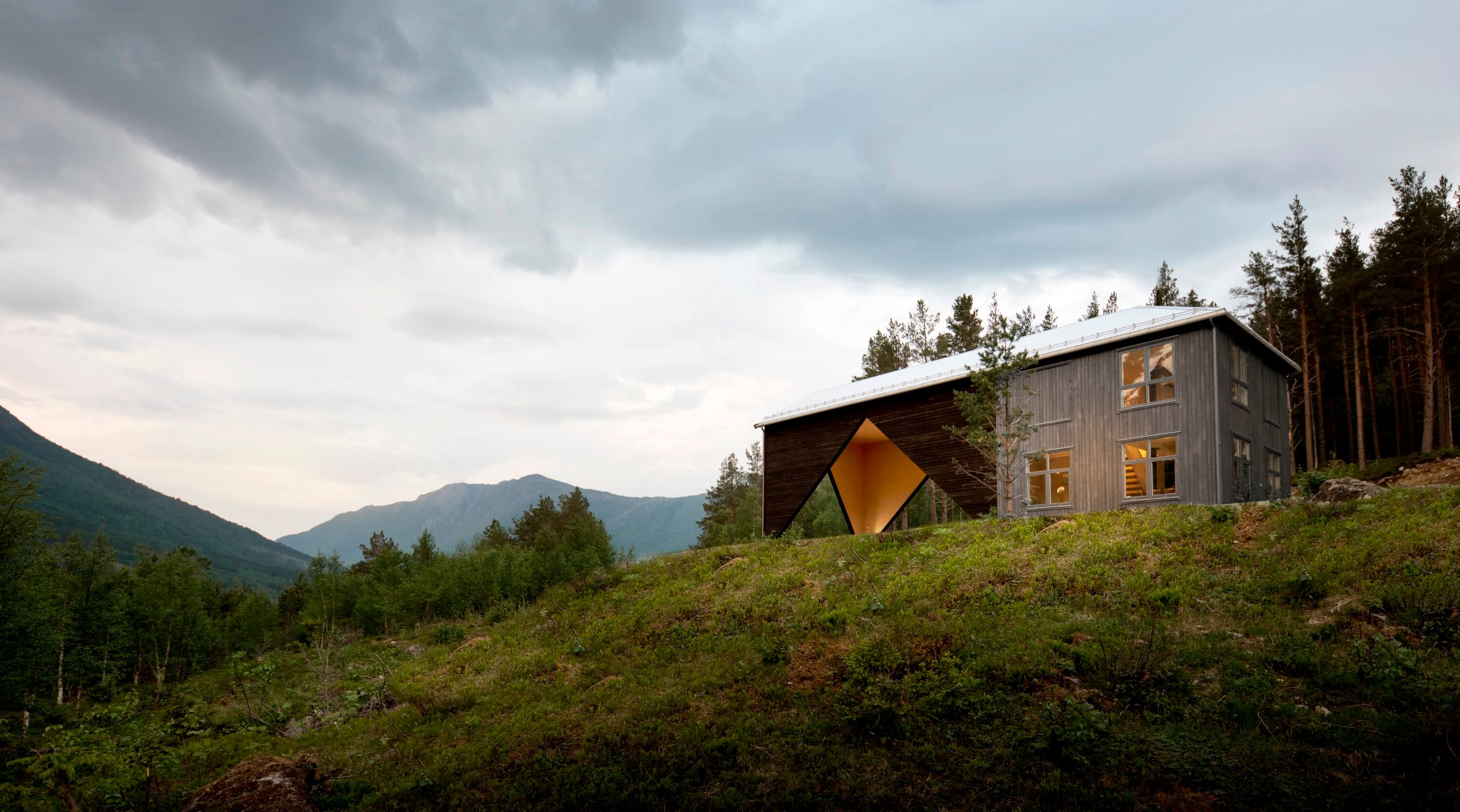 1/3 House by Rever and Drage Architects