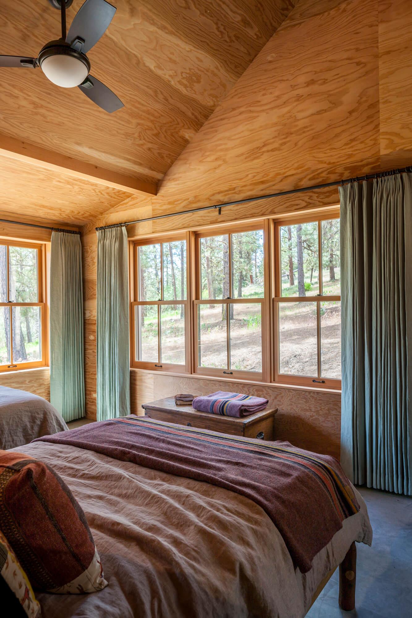 Cabins in Eastern Washington