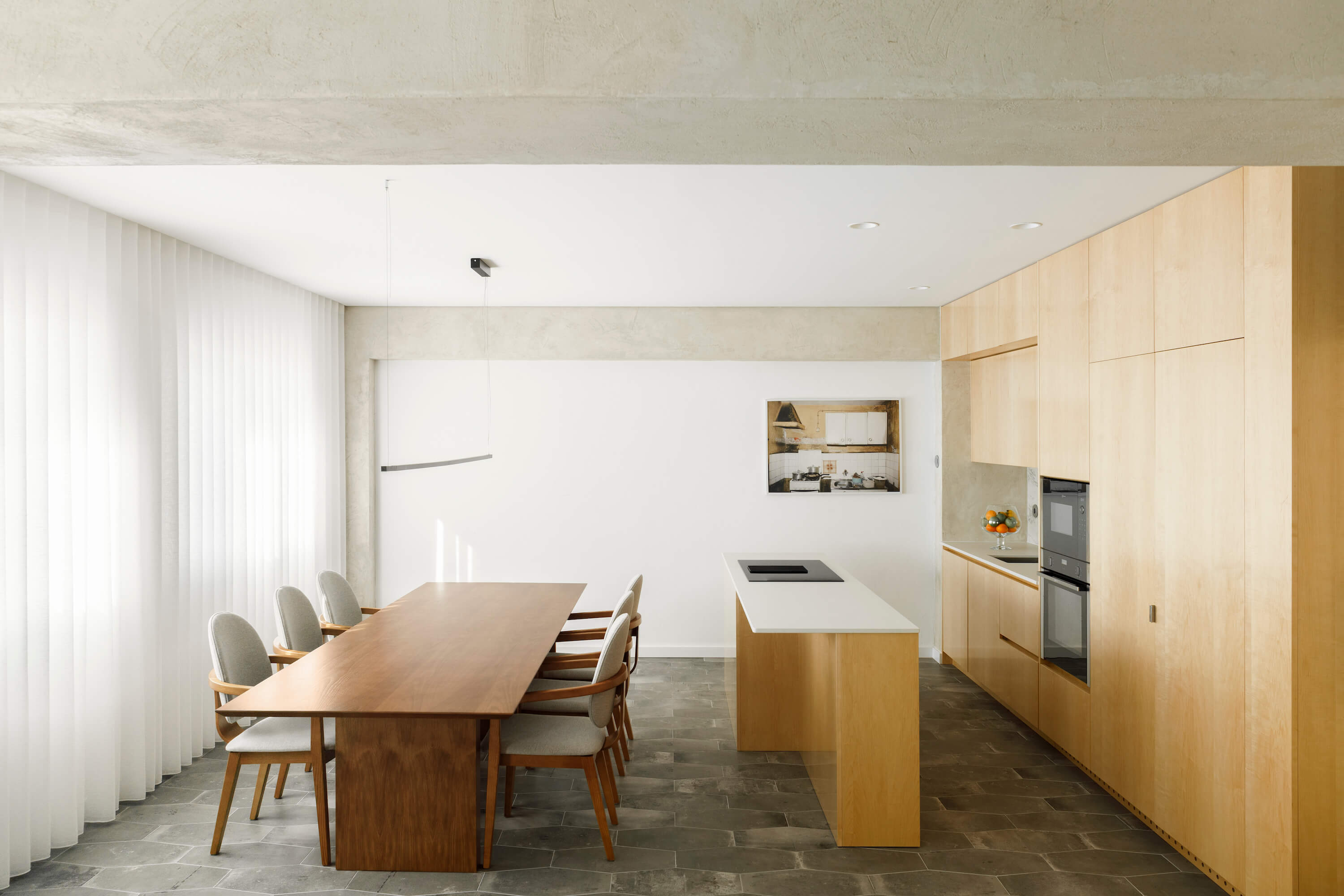 Lar Familiar Apartment by Paulo Moreira Architecture