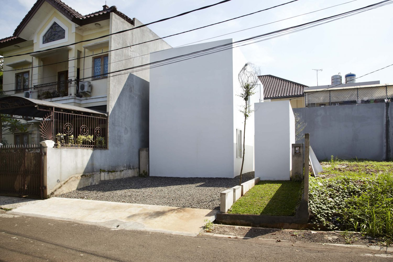 R House by sontangMsiregar Architects